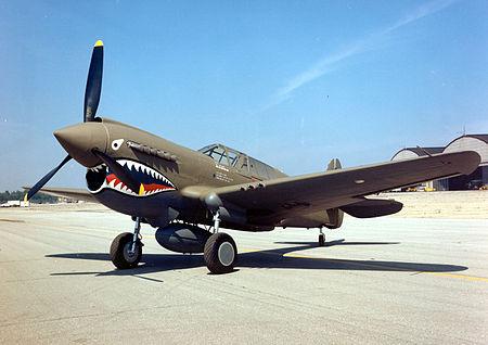450px-Curtiss_P-40E_Warhawk_2_USAF